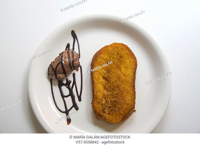 Torrija with ice cream, traditional Holy Week dessert. Spain