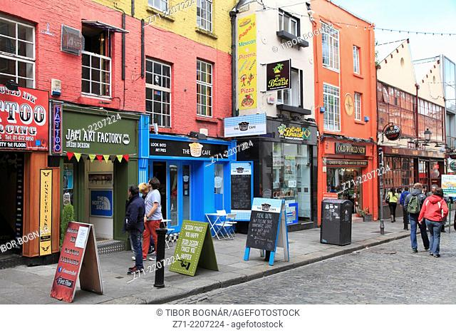 Ireland, Dublin, Temple Bar, street scene, shops, people,