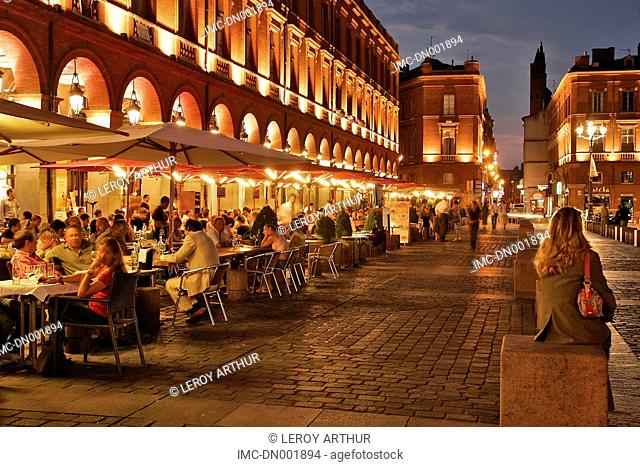 France, Languedoc, Toulouse, cafe terrace and town hall