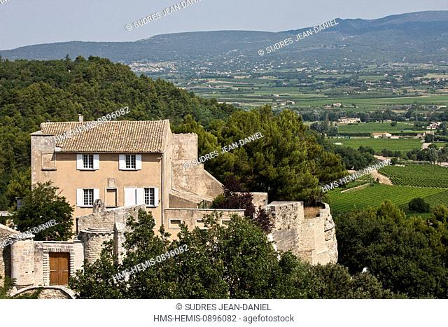 France, Vaucluse, Luberon, Menerbes, labelled Les Plus Beaux Villages de France (The Most Beautiful Villages of France), Le Castelet
