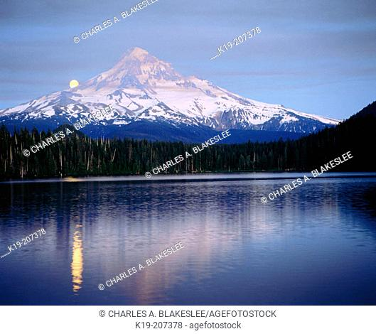 Moon over Mount Hood and Lost Lake at twilight. Mount Hood National Forest. Oregon. USA