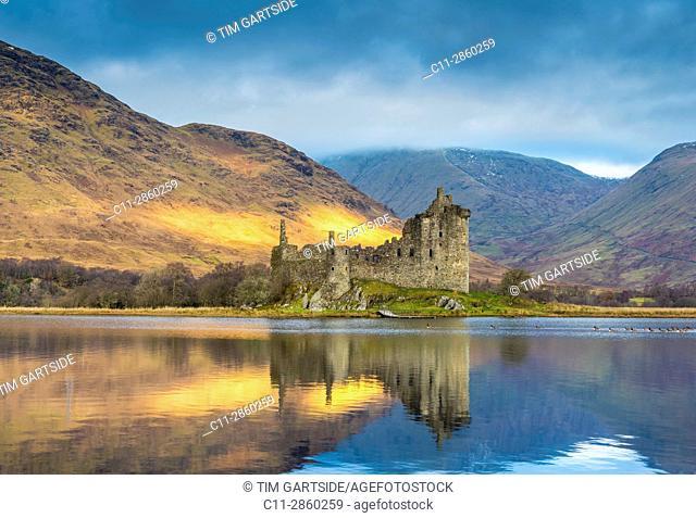 Kilchurn Castle, Loch Awe, Argyll and Bute, Scotland, uk