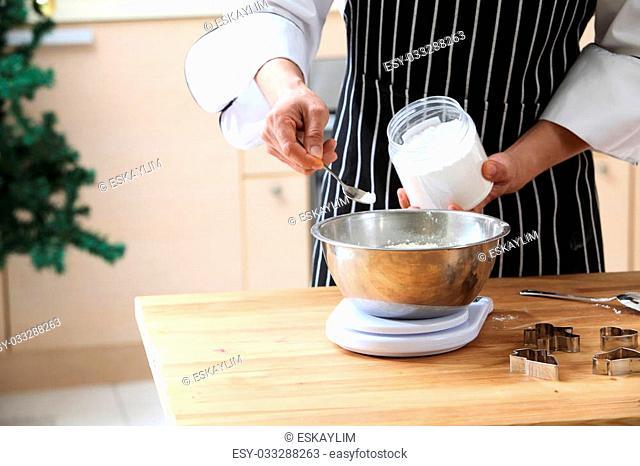tea spoon of the baking powder