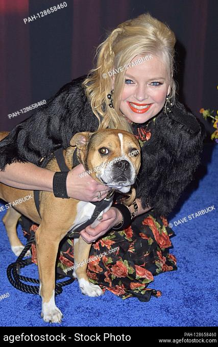 Melissa Peterman at the recording of the Hallmark Channel TV show 'American Rescue Dog Show 2019' in the Barker Hangar. Santa Monica, January 19