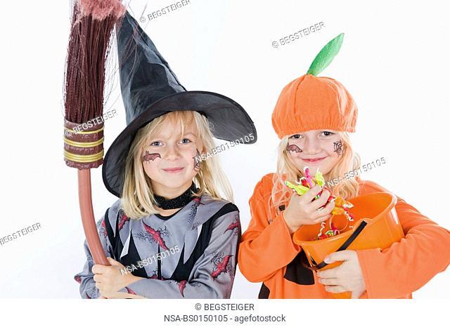 children in halloween costume