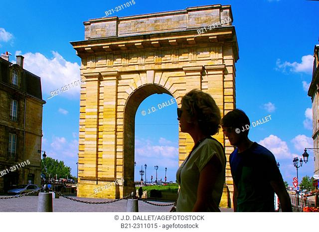 "France, Aquitaine, Gironde. ""Porte de Bourgogne"" (1751.55), gate to the old Bordeaux"