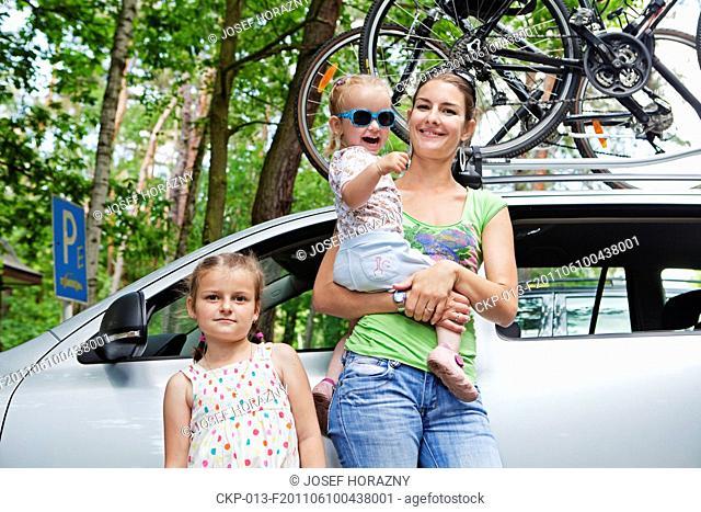 Girls on the family trip CTK Photobank/Josef Horazny, Martin Sterba , MR