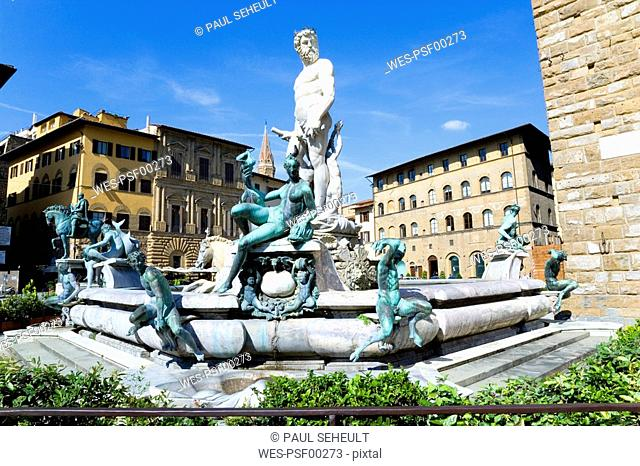 Italy, Tuscany, Florence, Fountain of Neptune