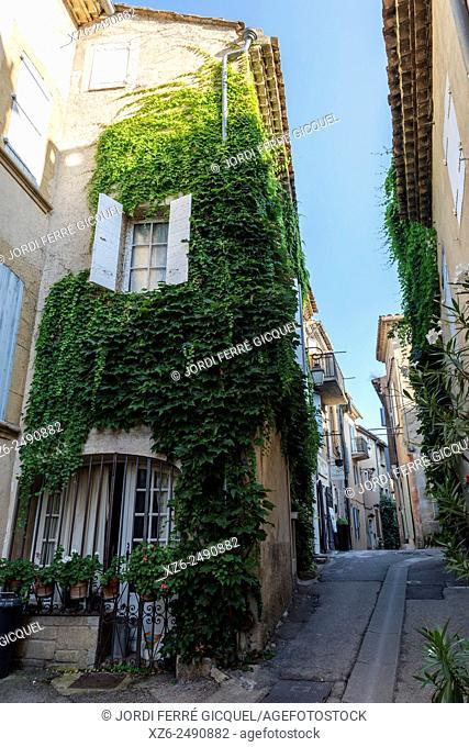 Lourmarin, Les Plus Beaux Villages de France, The Most Beautiful Villages of France, Vaucluse, 84, Provence-Alpes-Côte d'Azur, France, Europe