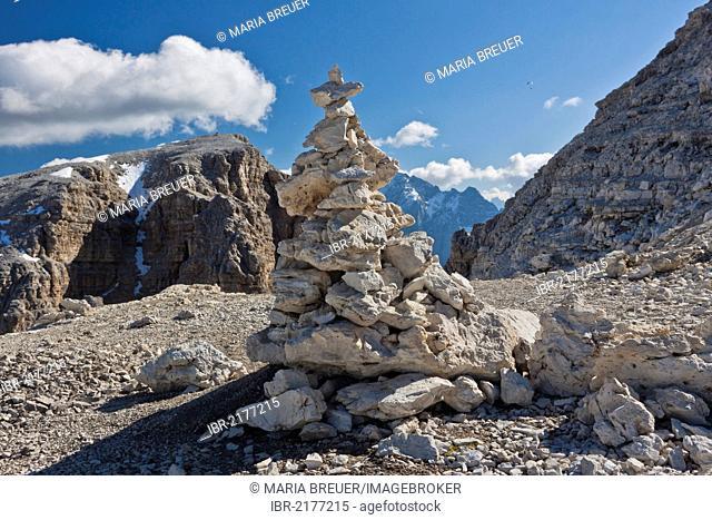 Cairn, Sass Pordoi Mountain, 2925 m, Sella Group, Dolomites, Italy, Europe