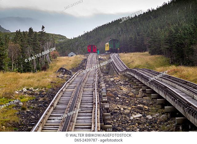 USA, New Hampshire, White Mountains, Bretton Woods, The Mount Washington Cog Railway, train to Mount Washington, fall