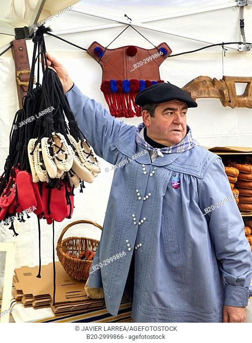 Albarcas, craft landings, Feria de Santo Tomás, The feast of St. Thomas takes place on December 21. During this day San Sebastián is transformed into a rural...