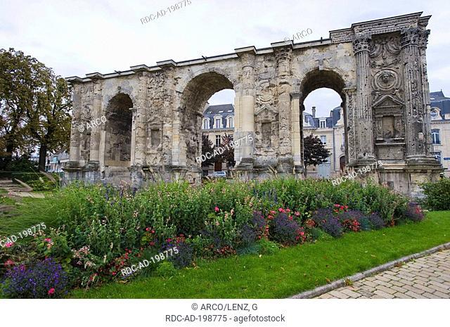 Triumphal arch Porte Champs du Mars, Reims, Marne, Champagne-Ardennes, France