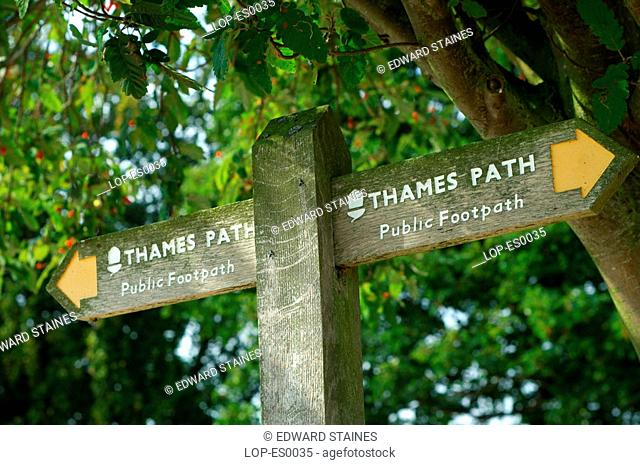 England, Buckinghamshire, Marlow, The Thames Path signpost. The Thames Path is a National Trail which was opened in 1996 and is about 184 miles long