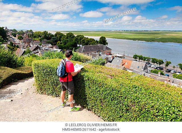 France, Somme, Baie de Somme, Saint Valery sur Somme, view of the town and the bay from the plight of seafarers