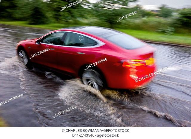 europe, UK, England, Surrey, flooded road