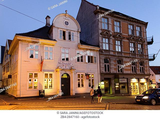 Bryggen by night (UNESCO World Heritage site since 1979), Bergen, Hordaland, Fjords, Norway