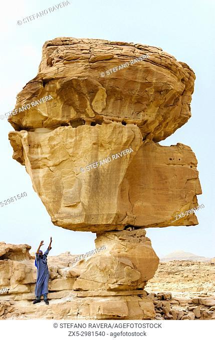 Muzeina bedouin under a rock - Wadi Arada desert - Sinai Peninsula, Egypt