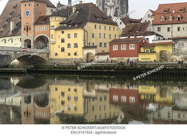 Donau und Altstadt in Regensburg, Bayern, Deutschland, Europa | Danube river and Old Town in Regensburg, Bavaria, Germany, Europe