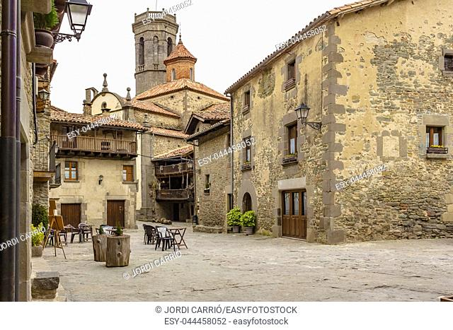 Main Square of the medieval nucleus of the town of Rupit. Rupit, Catalonia, Spain