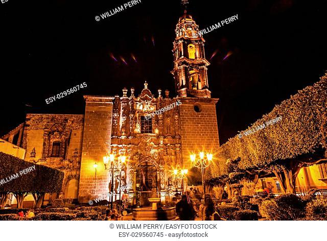Templo de San Francisco Church Night San Miguel de Allende, Mexico. San Francisco Church was created in 1778. The facade is Churrigueresque, Spanish baroque