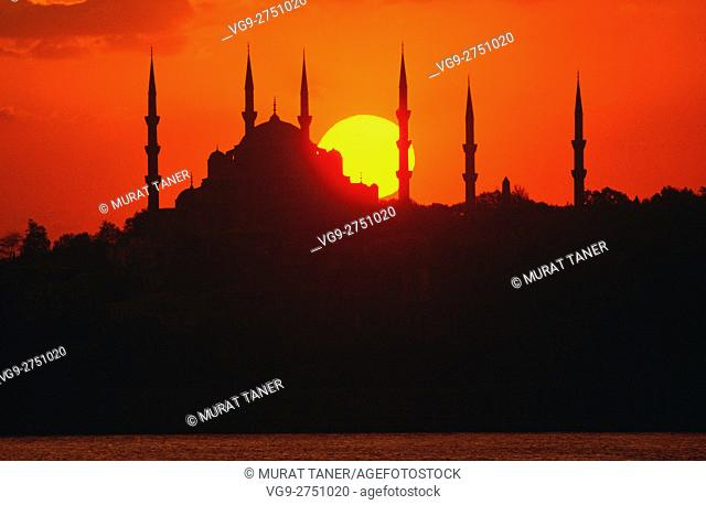Blue Mosque at sunset. Istanbul, Turkey
