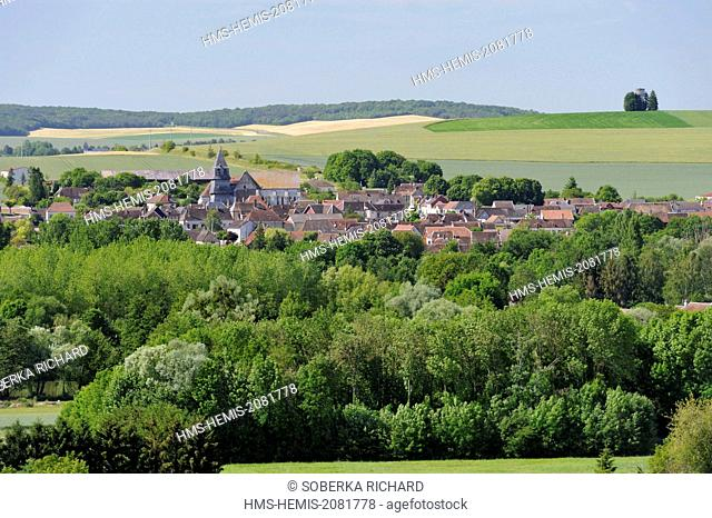 France, Aube, Villemaur sur Vanne, view of the village from the south