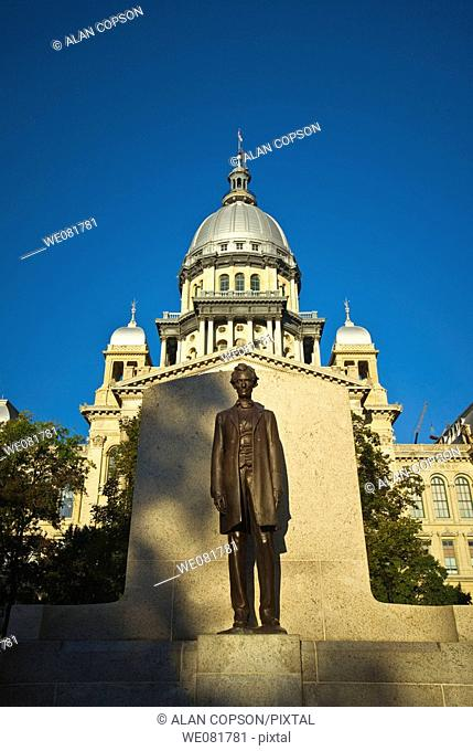 USA Illinois Springfield New Capitol Building Abraham Lincoln Statue