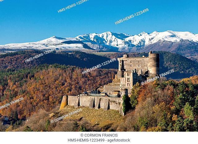 France, Puy de Dome, Parc Naturel Regional des Volcans d'Auvergne (Auvergne Volcanoes Natural Regional Park), Murol, Chateau de Murol