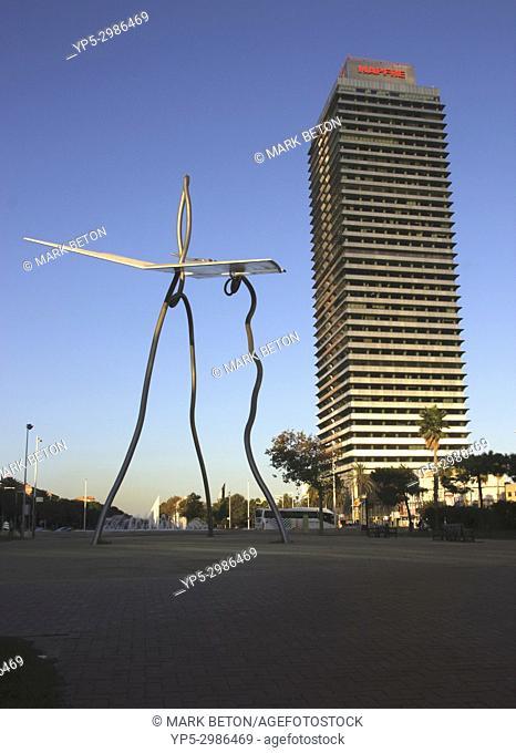 David and Goliath sculpture. Parc de les Cascades, Vila Olimpica, Barcelona, Spain