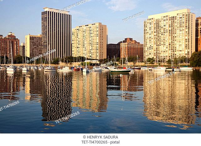 USA, Illinois, Chicago, Marina with apartment buildings