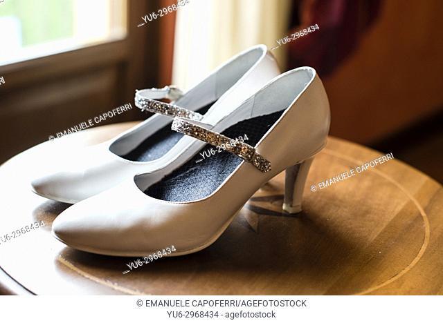 elegant white wedding shoes