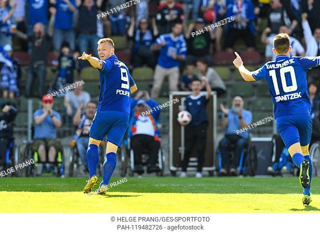 jubilation after goal to 3: 1, goalkeeper Marvin Pourie (KSC), re: Marvin Wanitzek (KSC). GES / Soccer / 3rd league: Karlsruher SC - SV Meppen, 20.04