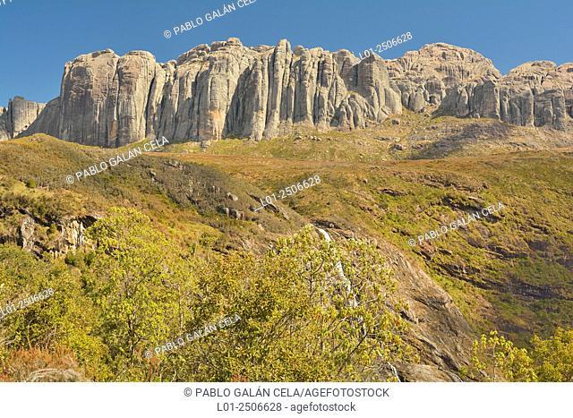 Madagascar, Andringitra National Park, Mountaineous landscape on sunny day