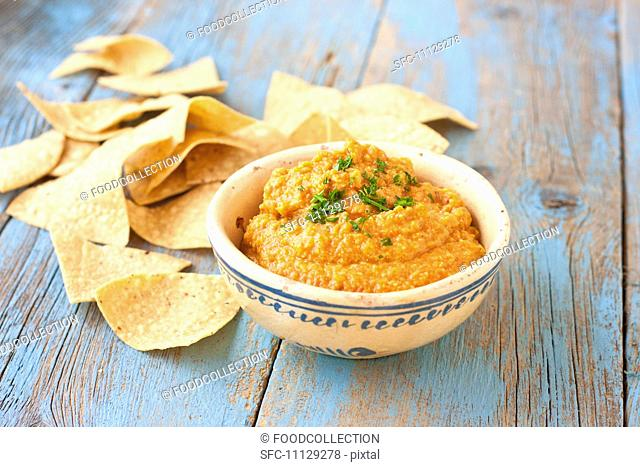 Roasted Chili Pepper Hummus with Tortilla Chips