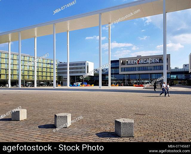 Portico on the Willy Brandt square