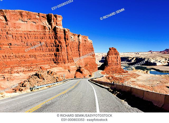 road in Glen Canyon Recreation Area, Utah, USA