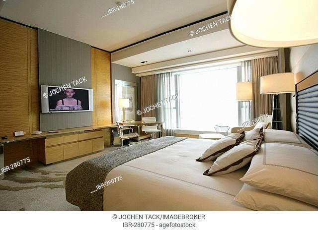 Hotel room, Four Seasons Hotel, Central Hong Kong Island, China
