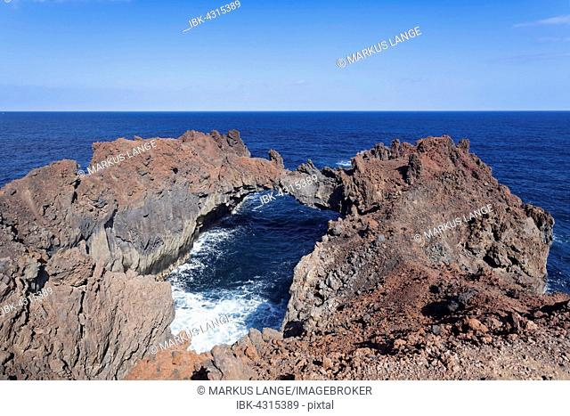 Arco de la Tosca, natural arch, Punta de la Dehesa, El Hierro, Canary Islands, Spain