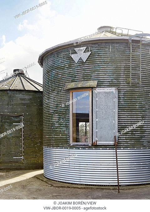 Feeringbury Barn Silo is a corrugated grain silo which has been converted to provide extra guest accommodation for the adjoining