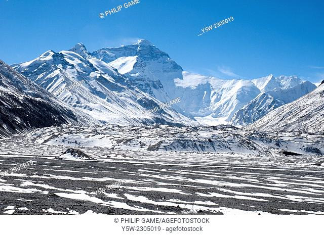 North Face of Mt Everest (Qomolangma) from the Base Camp at 5200 metres, Tibet, China