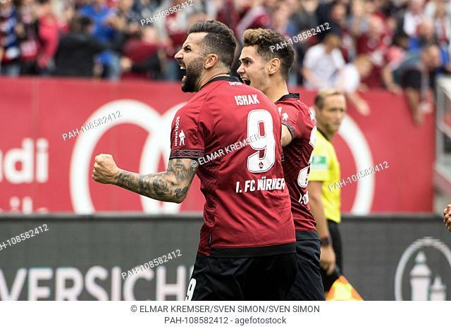 goalkeeper Mikael ISHAK (left, right) and Alexander FUCHS (N) celebrate the goal to make it 1-1 for FC Nuremberg, jubilation, cheering, cheering, joy, cheers