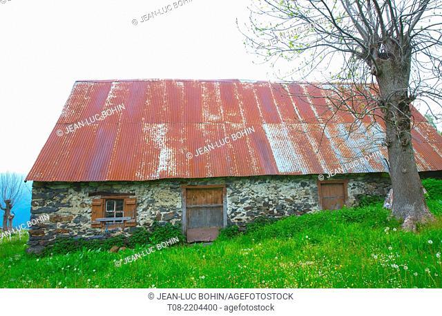 france, 65, hautes pyrénées , azun valley : barn