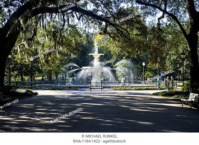 Forsyth Park with the Forsyth fountain, Savannah, Georgia, United States of America, North America