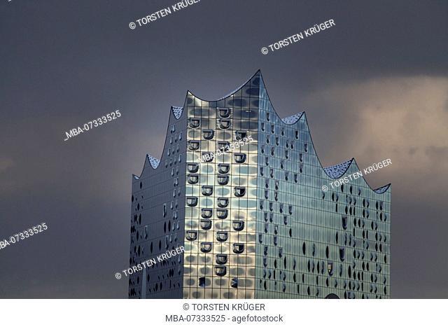 Elbphilharmonie, dark dramatic sky, Hamburg, Germany, Europe