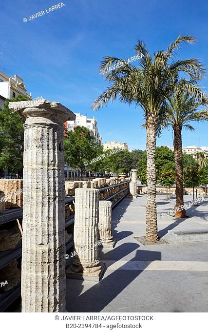 Columns. Plaza del Pilar. Near of MUVIM, Museo Valenciano de la Ilustración y la Modernidad, Valencian Museum of Illustration and Modernity. Valencia
