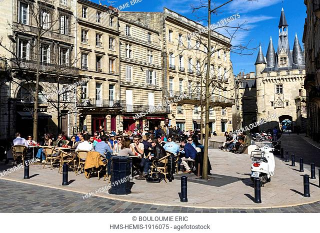 France, Gironde, Bordeaux, area listed World Heritage by UNESCO, Place du Palais and Porte Cailhau, Arc de Triomphe dedicated to Charles VII in 1495