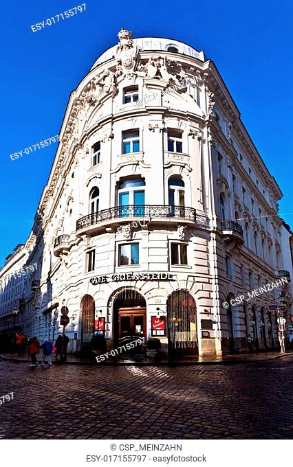 old coffeehouse in Vienna