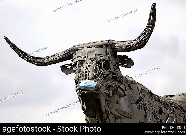 Animal sculptures by the Twities life whiteboard company at its headquarters in Rheda-Wiedenbruck. The meat company wants to take over the Lazar cutting and...