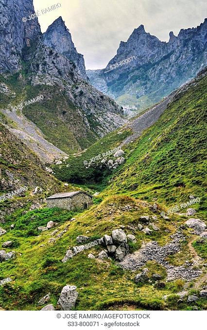 Casa de pastores en el desfiladero del Cares. Picos de Europa. Provincia de León. Spain